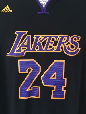 Brand new Lakers Kobe Bryant 24 jersey w/ sleeves for Sale in San Francisco, CA