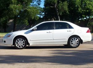 Luxxe,, 2OO6 Honda Accord AWDWheelssForSalee for Sale in Baltimore, MD