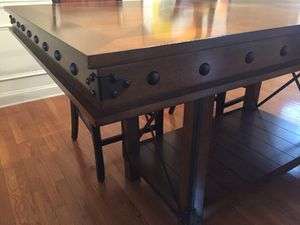 Dining Room Table and 4 chairs for Sale for sale  Douglasville, GA