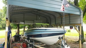 21-foot Vixen VIP ski boat with cuddy cabin for Sale in Gibsonia, PA