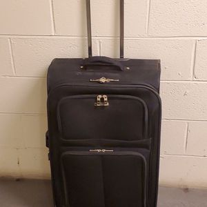 """VERY LARGE, VERY STURDY, 29"""" SOFT-SIDE, BLACK, 2-WHEEL ROLLING LUGGAGE - firm price. for Sale in Arlington, VA"""