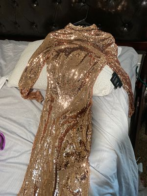 Shimmery rose gold sequence prom dress in small for Sale in Vancouver, WA