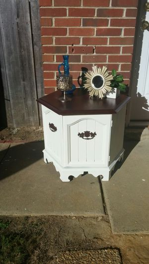 End table with storage for Sale in Prattville, AL