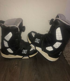 D.C. Snowboarding boots size Y5 never worn!! for Sale in Costa Mesa, CA