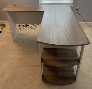 L-Shaped Desk w/ bookshelf - GREAT Condition! for Sale in Greenbelt, MD
