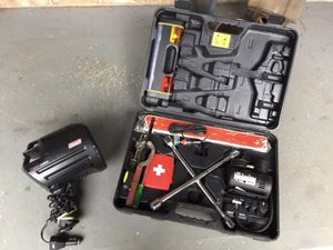 Auto emergency kit and light for Sale in Portland, OR