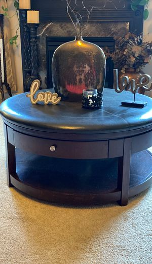 Beautiful Coffee table for Sale in Fuquay-Varina, NC