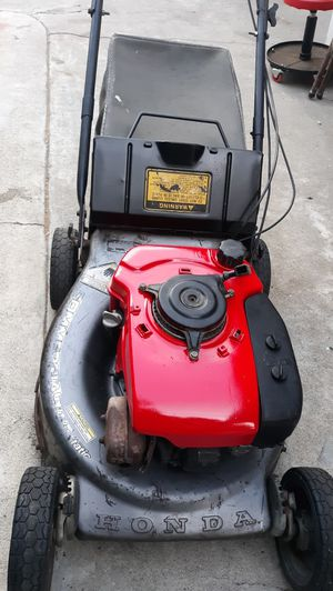 Hrc216 honda commercial hydrostatic lawn mower for Sale in Paramount, CA