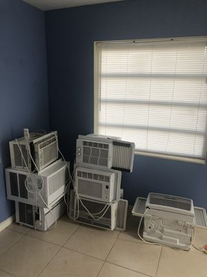 Window air conditioner for Sale in Pompano Beach, FL