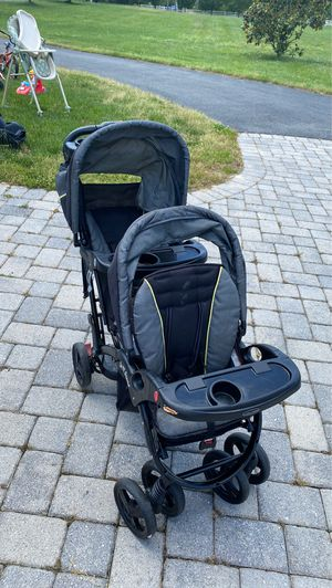 Babytrend sit N stand double stroller for Sale in Lorton, VA