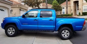 Great 2OO5 Toyota Tacoma 4WDWheels for Sale in Miami, FL