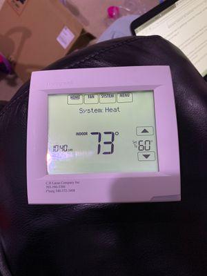 Honeywell Thermostat for Sale in Alexandria, VA