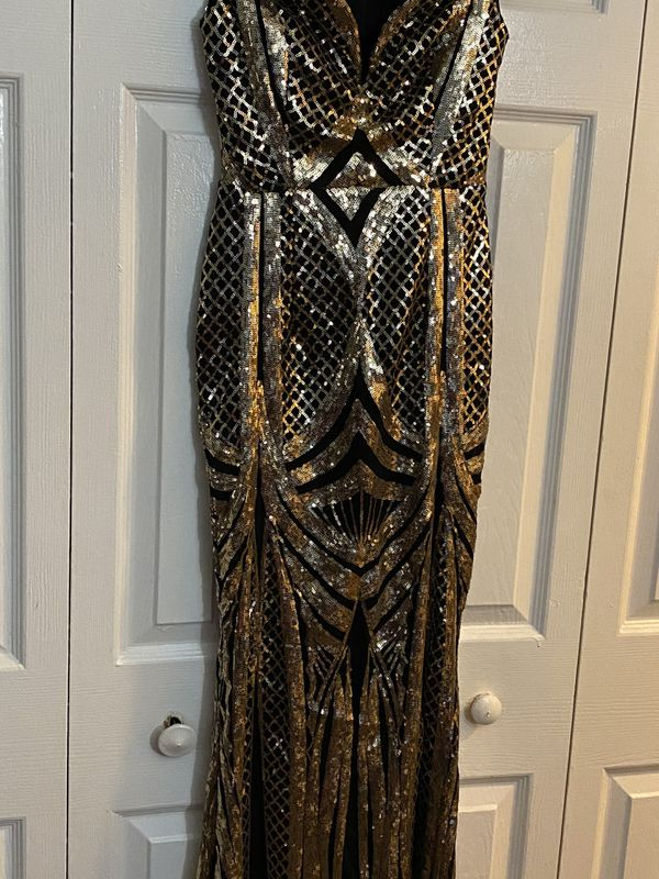 Black and gold Sequin dress (Windsor)(xs)