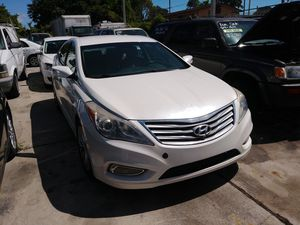 Hyundai azera 2012 for Sale in Miami, FL