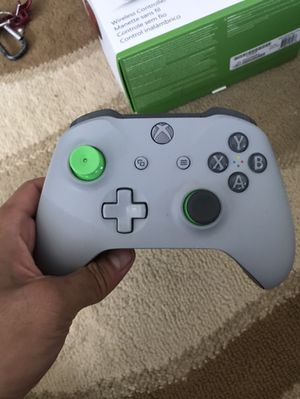 Xbox one controller for Sale in Waipahu, HI