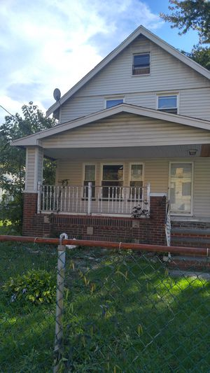 Single House for Sale in North Royalton, OH