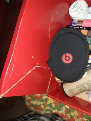Still working just to has to be held together white wireless Beats with case and charger for Sale in Elliston, VA