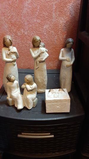 Lot of Willow tree figurines do not want to separate for Sale in Prineville, OR