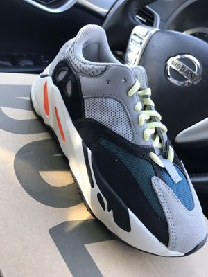 Yeezy 700 Wave Runner (Size 5) $450 for Sale in Santa Ana, CA