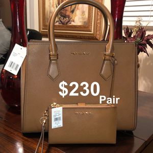 Hand Bag for Sale in Wheeling, IL