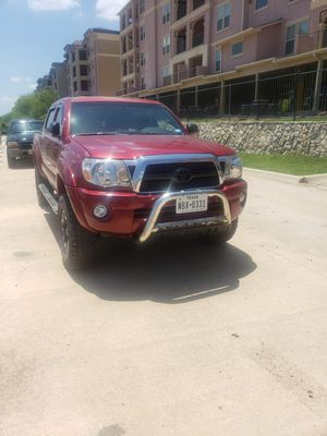 Toyota tacoma 2005 4x4 for Sale in Seguin, TX