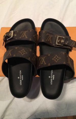 Louis Vuitton sandals for Sale in Miami, FL