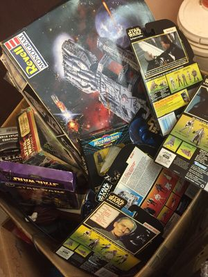 Huge box full of Star Wars figures, toys, collectable items for Sale in Kent, WA
