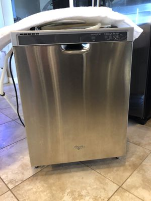 FREE Whirlpool Dishwasher 2-3 years old you must pick up! for Sale in Clovis, CA