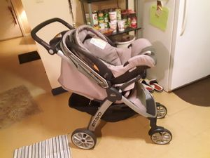 Chicco Key Fit 30 Car Seat w/Matching Bravo Stroller for Sale in Charleston, WV