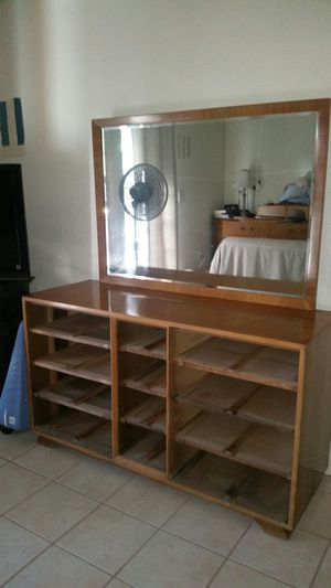 Matching Thomasville dresser and night stand for Sale in Tempe, AZ