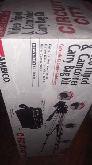 Video tripod n bag for Sale in Gibraltar, MI