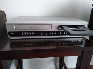 DVD MAGNAVOX Like a new for Sale in Dallas, TX
