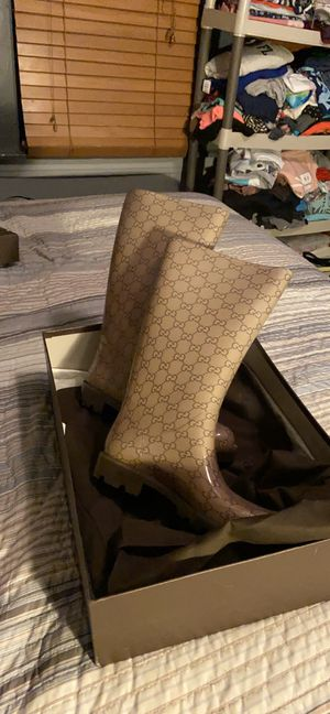 Gucci rain boots/ 🛑PLEASE DONT ASK TO TRADE🛑 for Sale in Chicago, IL