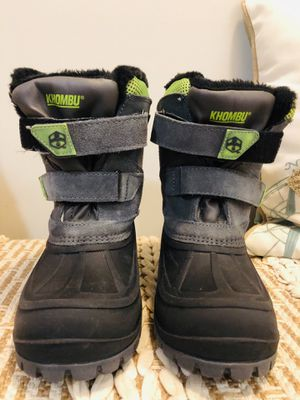 Khombu Kids Snowtracker Faux Fur Lined Snow Waterproof Boots Gray Size 3 for Sale in Woodbridge, VA