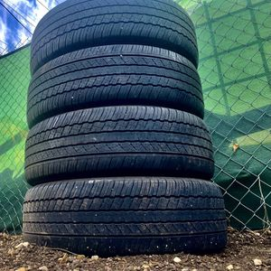 4***225/65/17 Inch***Dunlop Tires***No Issues***Ready To Mount for Sale in Aurora, CO