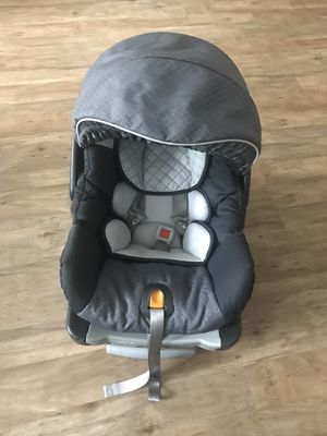 Chicco keyfit car seat for Sale in Atlanta, GA