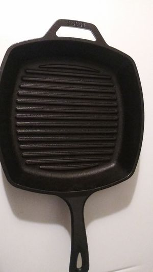 Lodge Cast Iron Square Grill Pan Frying Griddle Nonstick Skillet Cook 10.5-inch for Sale in Clarksville, TN