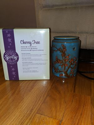 Large Scentsy warmer for Sale in Brook Park, OH