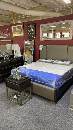 King Leather Tufted Bedroom Set Complete Today FINANCE TL7X for Sale in Euless, TX