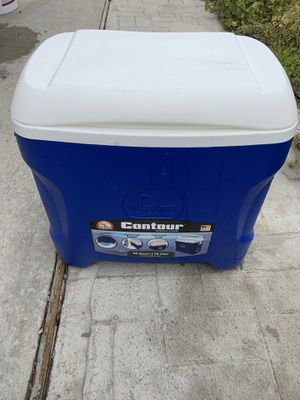 IGLOO Cooler for Sale in St. Louis, MO
