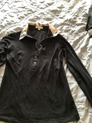 Burberry shirt size XSMALL for Sale in Paramount, CA