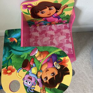 Dora Chair With Table for Sale in Richmond, TX
