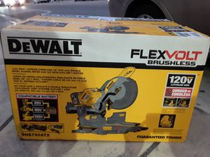 DeWALT FLEXVOLT 120-Volt MAX Lithium-Ion Cordless Brushless 12 in. Sliding Miter Saw w/ (2) Batteries 2Ah for Sale in South Miami, FL