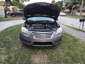 Nissan sentra sv 1.8L 2015 for Sale in Hialeah, FL