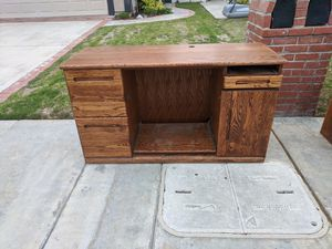 Desk and credenza for free for Sale in HUNTINGTN BCH, CA