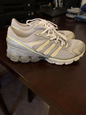 Adidas shoes woman's Size 8 for Sale in Puyallup, WA