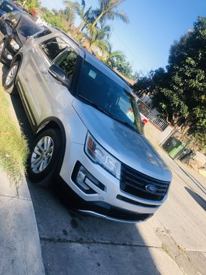 2017 Ford Explorer XLT for Sale in Caruthers, CA