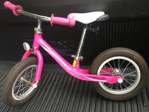 Giant Pre bike 12 inch for Sale in Redford Charter Township, MI