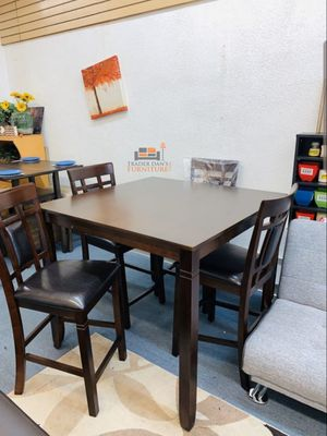 Brand New 5 Piece Counter Height Wood Dining Set (New in Box) for Sale in Silver Spring, MD