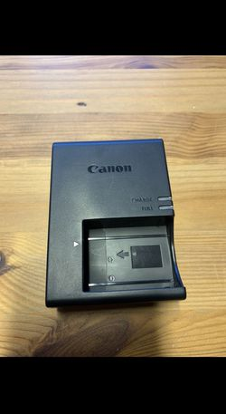 Canon LC-E17 Wall charger for t7i, t6i, t6s New Condition. for Sale in Bothell,  WA